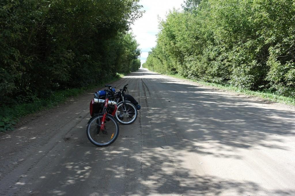 Białoruska droga szutrowa