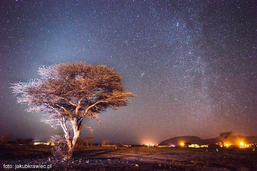 niebo nad pustynia